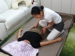 産後骨盤矯正の流れ お腹のマッサージ