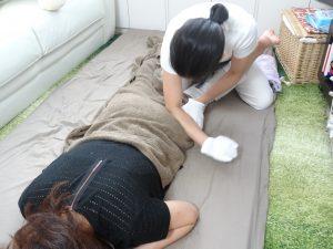 産後骨盤矯正の流れ お尻のマッサージ