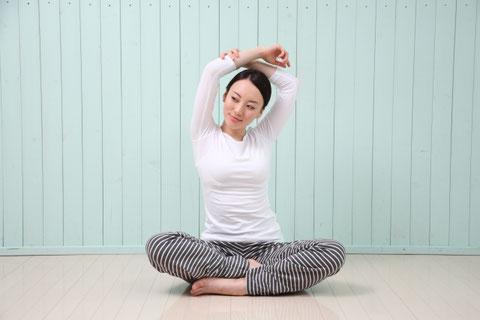 肩こり改善のために出来る限り体を動かすようにしよう。