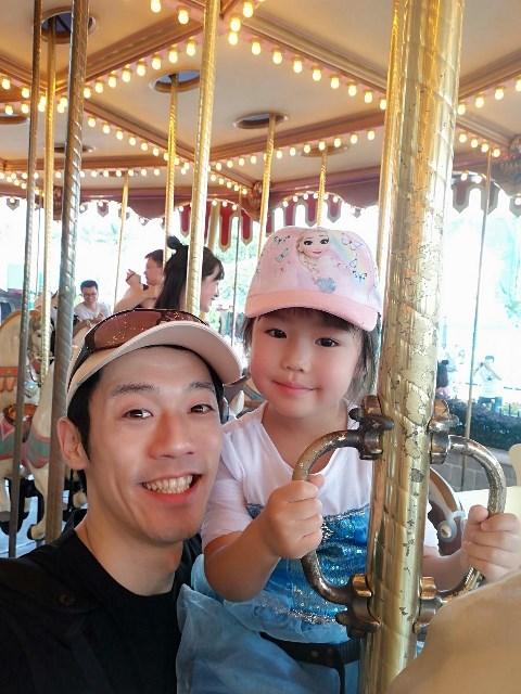 香港ディズニーランドにてメリーゴーランド